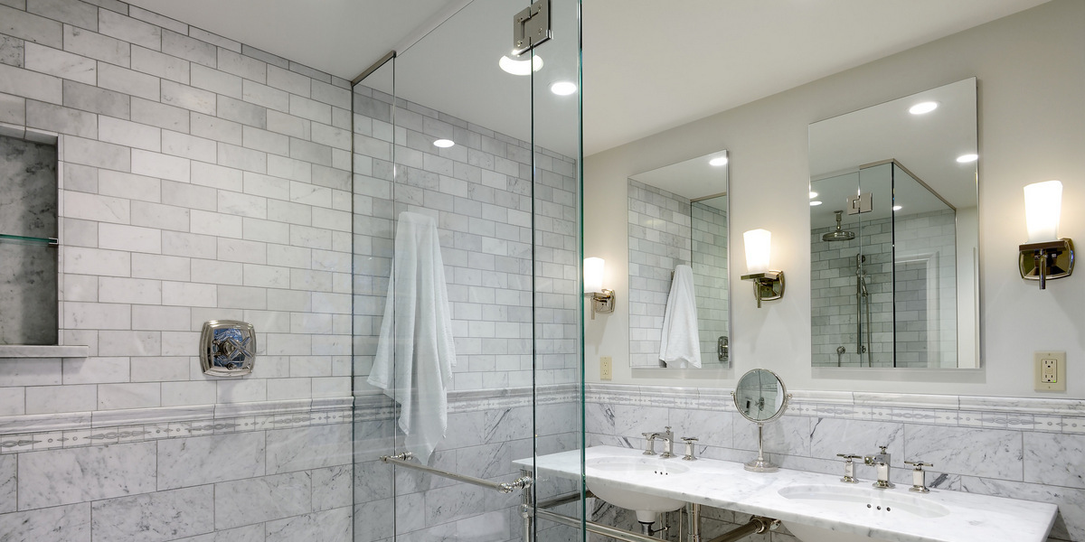 Updating Your Bathroom On A Budget Jessica Elizabeth