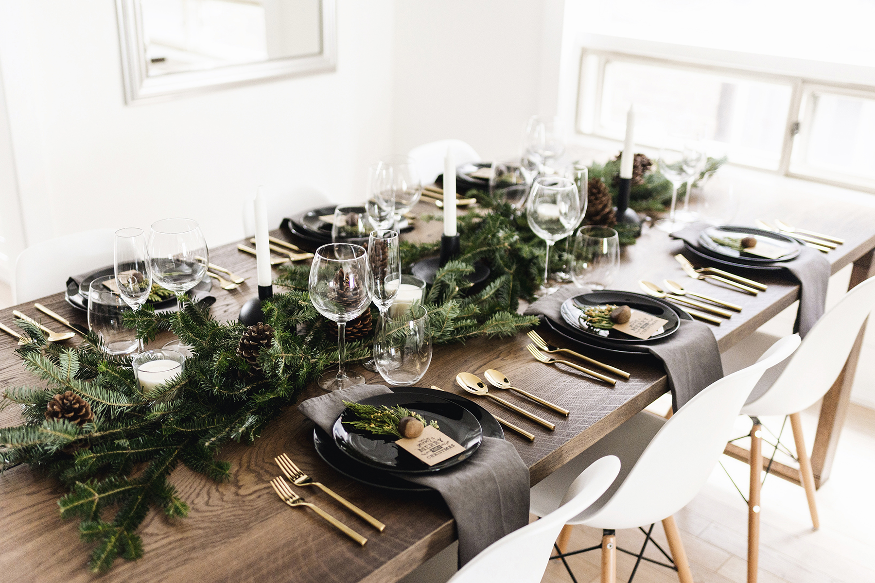 The Art of Styling: Christmas Dining Table